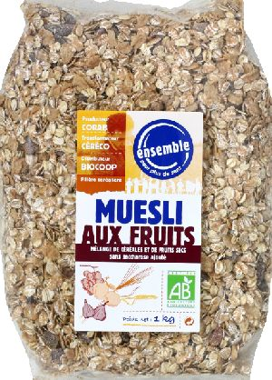 Muesli fruits
